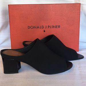 NEW! Donald Pliner Ellis in black